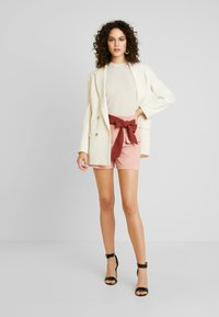 Lost Ink - HIGH WAIST CONTRAST TIE - Szorty - pink - 1