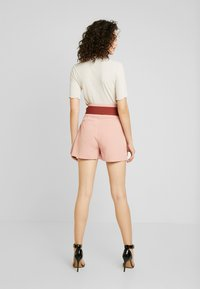 Lost Ink - HIGH WAIST CONTRAST TIE - Szorty - pink - 2