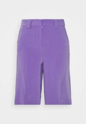 LONGLINE CITY SHORTS - Shorts - purple