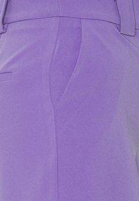 Lost Ink - LONGLINE CITY SHORTS - Shortsit - purple - 2