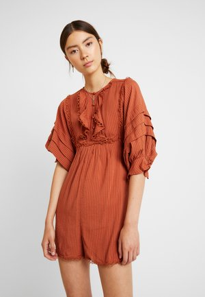 PLAYSUIT WITH FRILL DETAIL - Overall / Jumpsuit /Buksedragter - rust