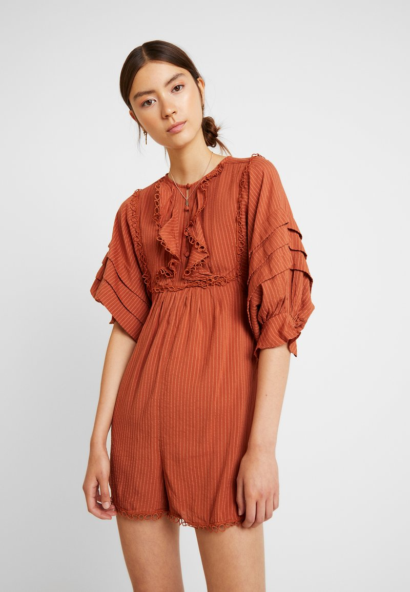 Lost Ink - PLAYSUIT WITH FRILL DETAIL - Jumpsuit - rust