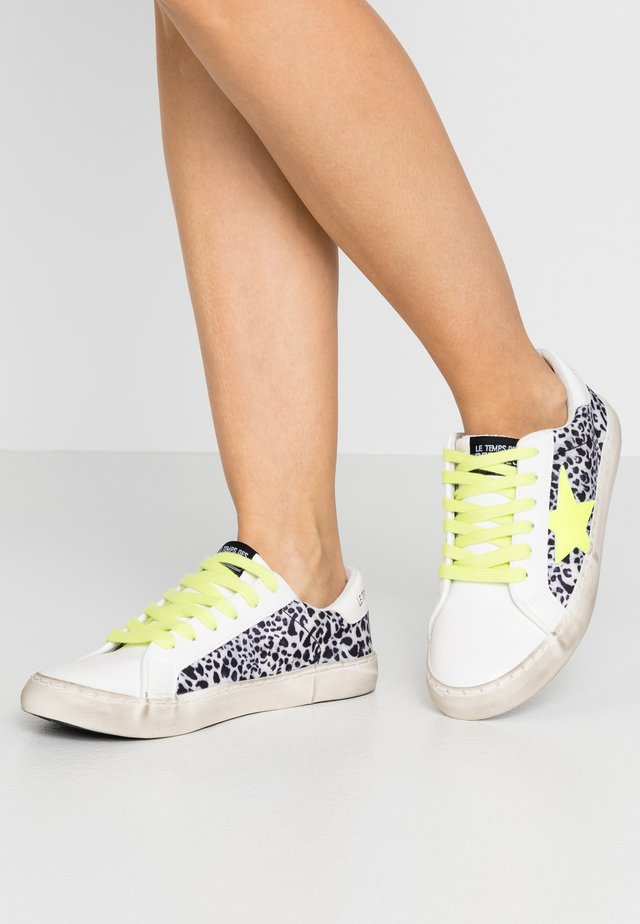 CITY - Sneakersy niskie - white/neon