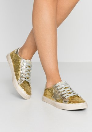 CITY - Trainers - gold