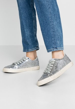 CITY - Trainers - silver