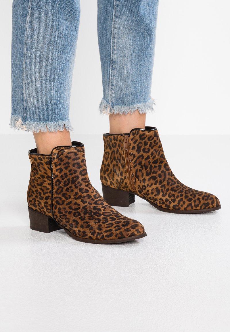 Le Temps Des Cerises - ZOE - Ankle Boot - brown