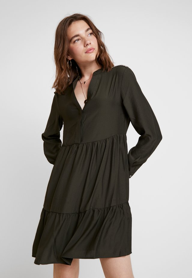 MIKA - Shirt dress - avocado