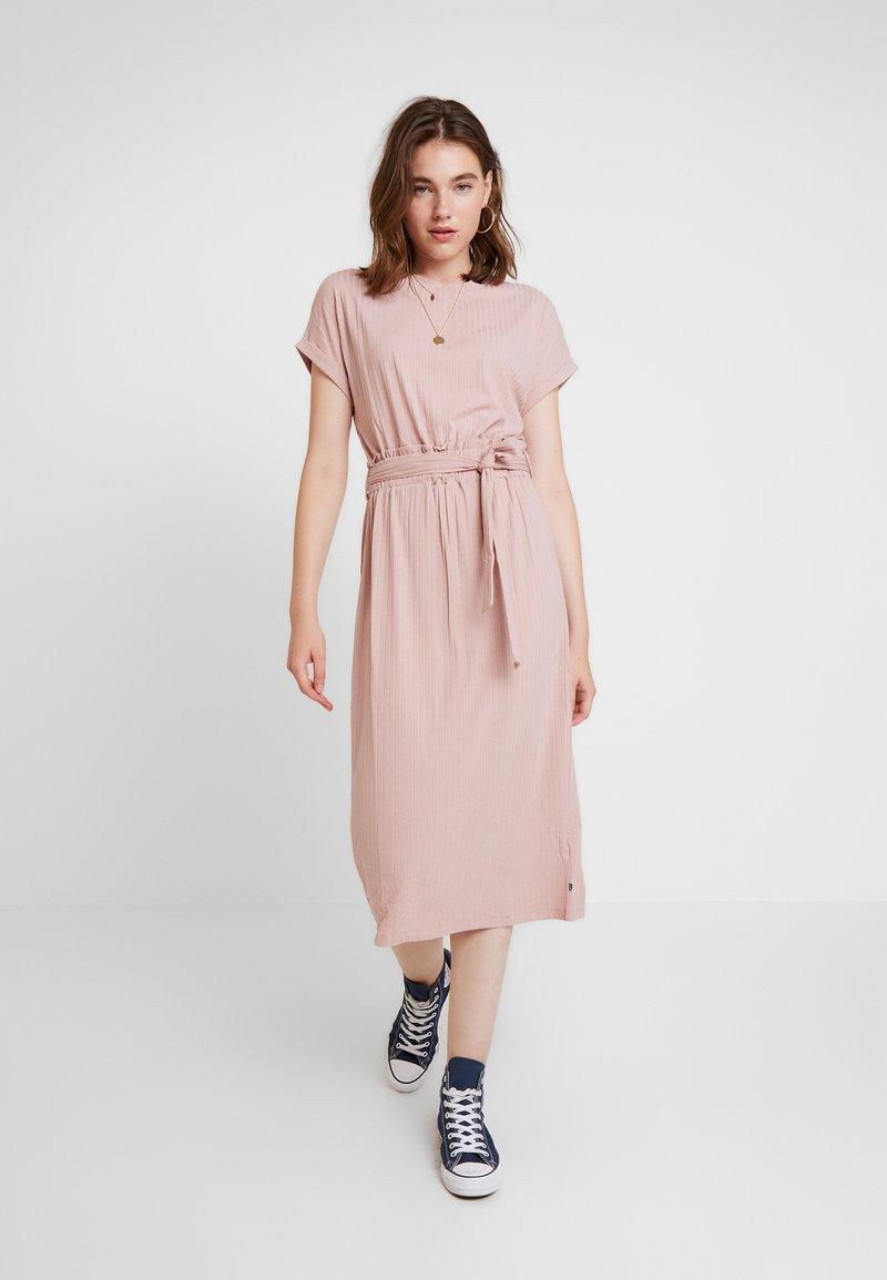 Le Temps Des Cerises - WINTER - Maxi dress - blush