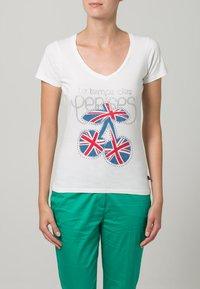 Le Temps Des Cerises - FAMBER - T-shirt imprimé - white - 2