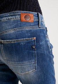 Le Temps Des Cerises - Relaxed fit jeans - blue - 3
