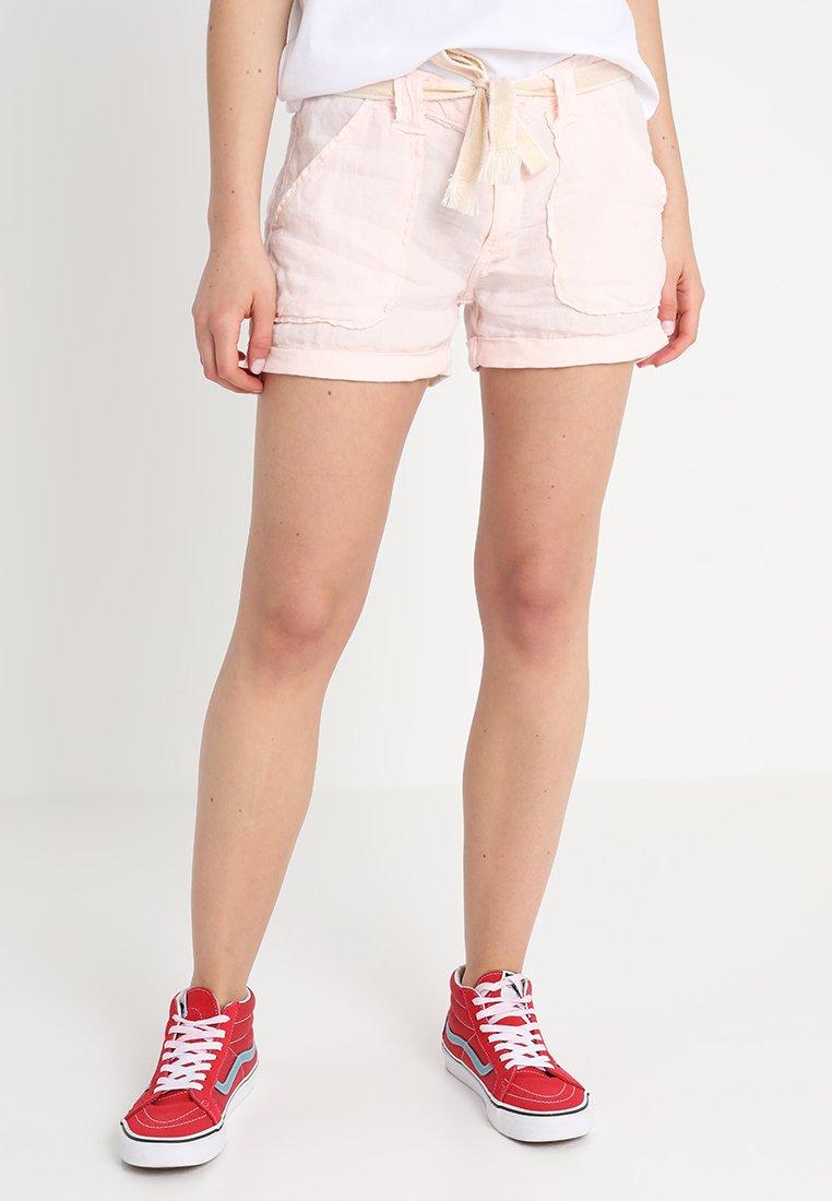 Le Temps Des Cerises - BAZYL - Shorts - pink