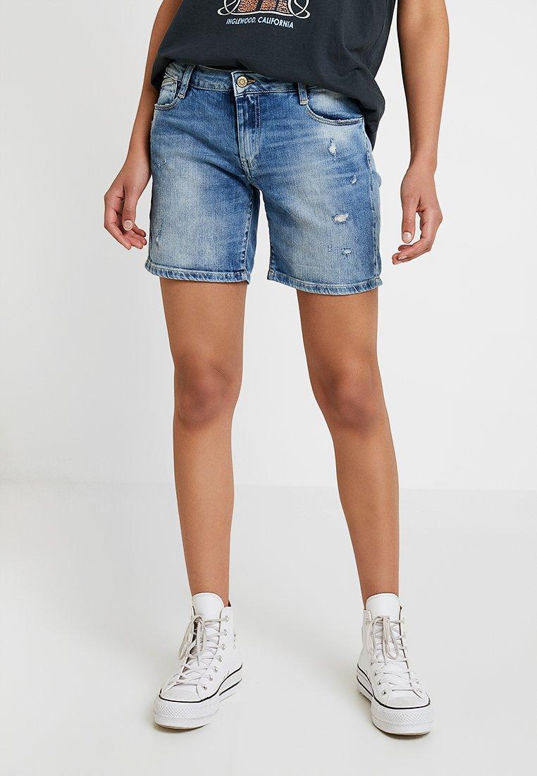 Le Temps Des Cerises - JANKA - Denim shorts - blue