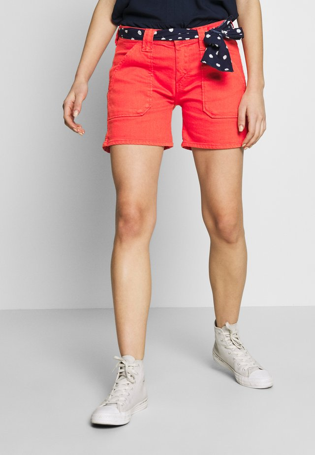 OLSEN - Shorts di jeans - red