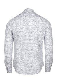 Le Temps Des Cerises - MIT FILIGRANEM ALLOVERMUSTER - Shirt - white - 5