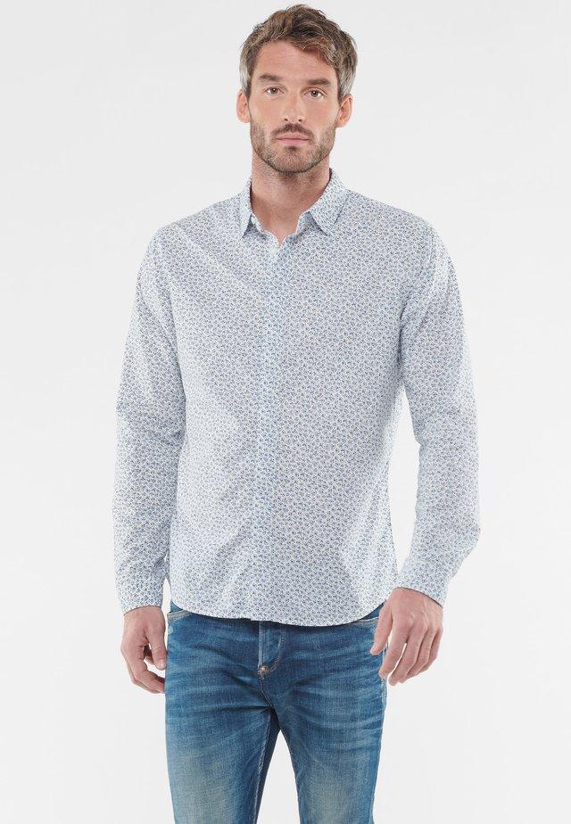 MIT FILIGRANEM ALLOVERMUSTER - Shirt - white