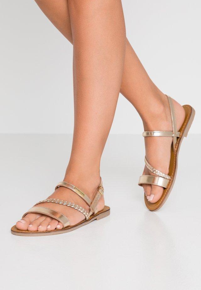 BATRESS - Sandaler - gold