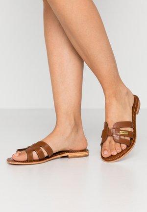 DAMIA - Pantofle - tan