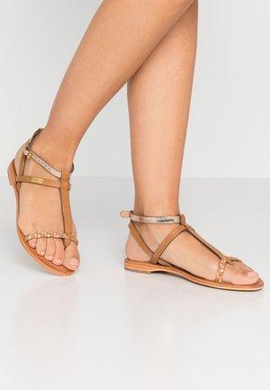 HILATRESS - Sandály s odděleným palcem - miel corai