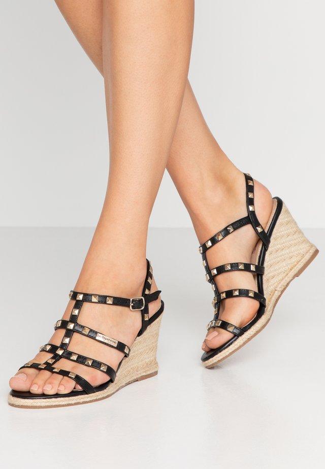 CRISTELA - Sandalen met sleehak - noir