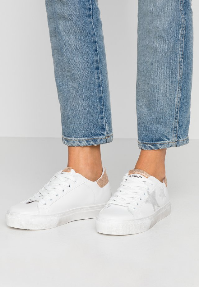 WINY - Trainers - blanc/rose