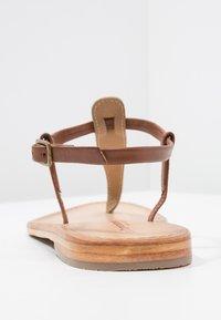 Les Tropéziennes par M Belarbi - NARVIL - Sandály s odděleným palcem - tan - 4