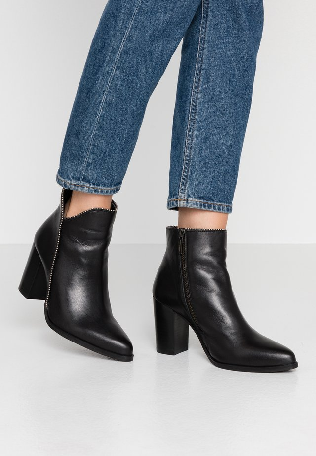 KERRY - Ankle Boot - noir