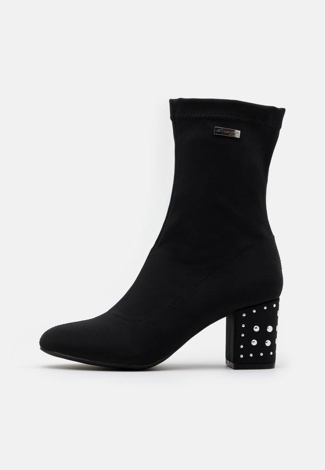 CEYLAN - Korte laarzen - noir
