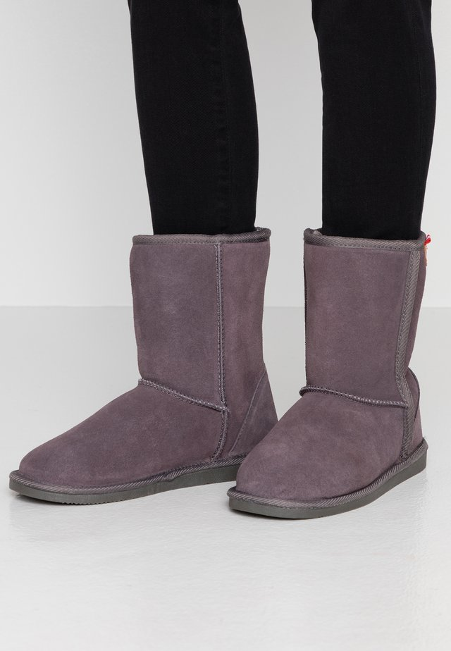 MOUNTAIN - Classic ankle boots - gris