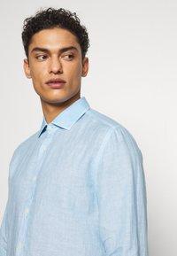 120% Lino - Shirt - blue soft fade - 3