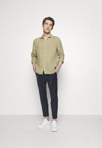 120% Lino - Shirt - olive - 1