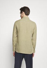 120% Lino - Shirt - olive - 2