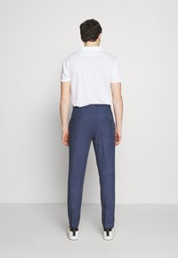 120% Lino - TAILORED TROUSERS - Trousers - dark blue fade - 2