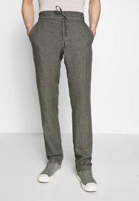 120% Lino - TROUSERS - Trousers - elephant sof fade - 3