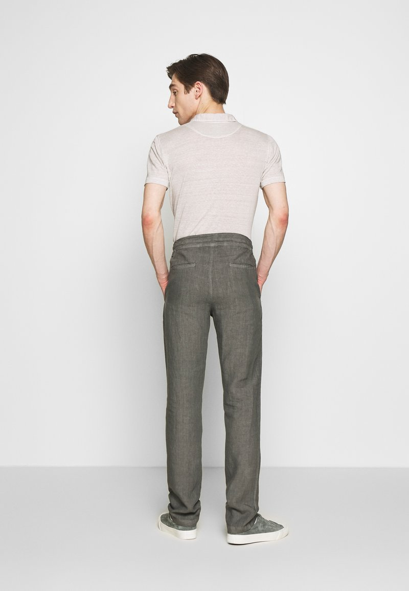 120% Lino - TROUSERS - Trousers - elephant sof fade