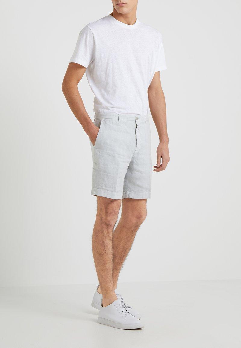 120% Lino - BERMUDA - Shorts - light grey