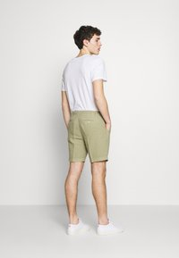 120% Lino - Shorts - olive - 2