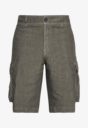 CARGO - Shorts - elephant sof fade