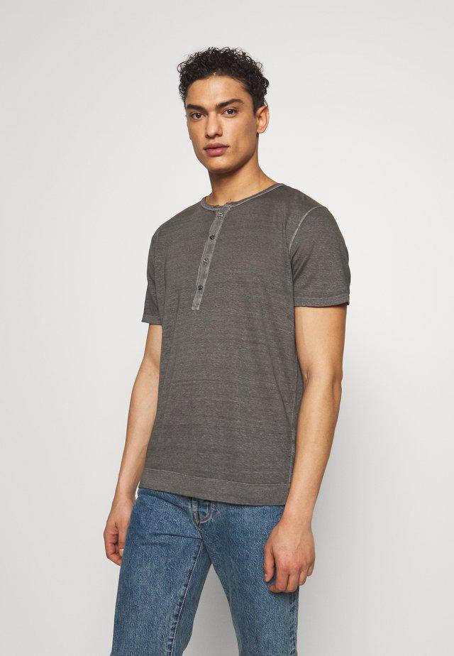 T-shirts basic - elephant sof fade