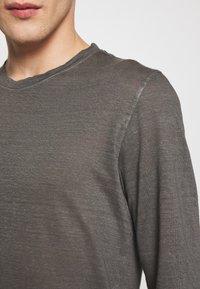 120% Lino - Langærmede T-shirts - elephant sof fade - 5