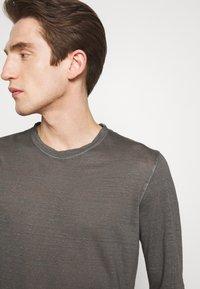 120% Lino - Langærmede T-shirts - elephant sof fade - 3