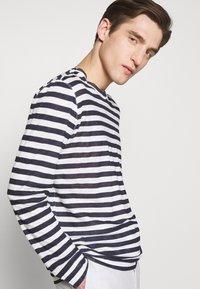 120% Lino - STRIPE - Long sleeved top - white - 3