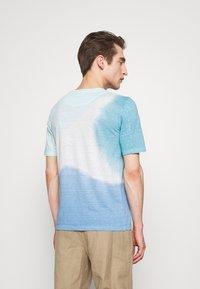 120% Lino - TIE DYE - T-shirts print - shibori blue - 2