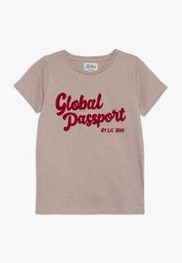 Lil'Boo - GLOBAL PASSPORT SHORT SLEEVE - Camiseta estampada - adobe rose - 0