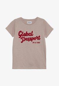 Lil'Boo - GLOBAL PASSPORT SHORT SLEEVE - Camiseta estampada - adobe rose - 2