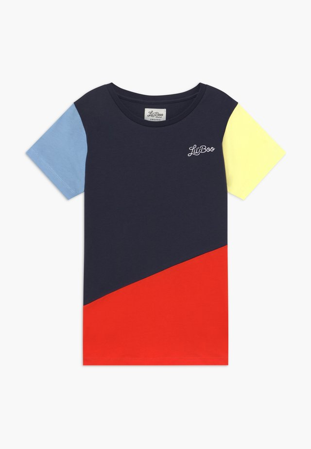 LIL BOO BLOCK - T-shirt z nadrukiem - yellow/navy/red/light blue