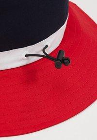 Lil'Boo - BUCKET HAT  - Klobouk - red/navy/white - 2