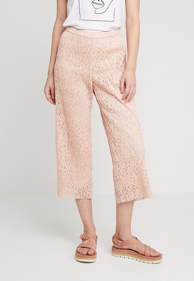 LISELOTTE CULOTTE PANTS - Trousers - rose dust
