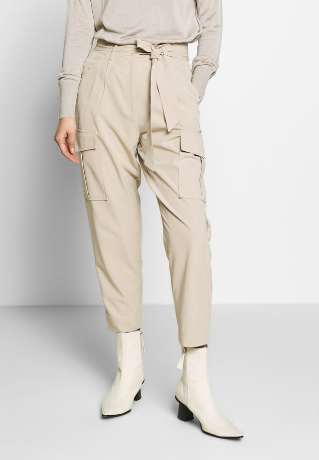 SALLC PANTS - Trousers - humus