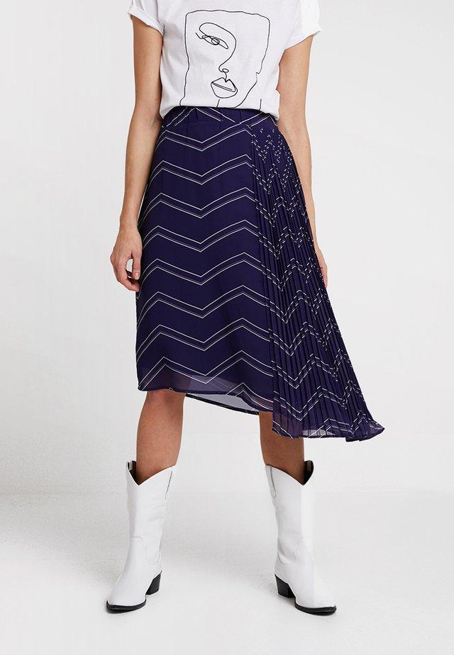 STINA LONG SKIRT - Pliceret nederdel /Nederdele med folder - royal navy blue
