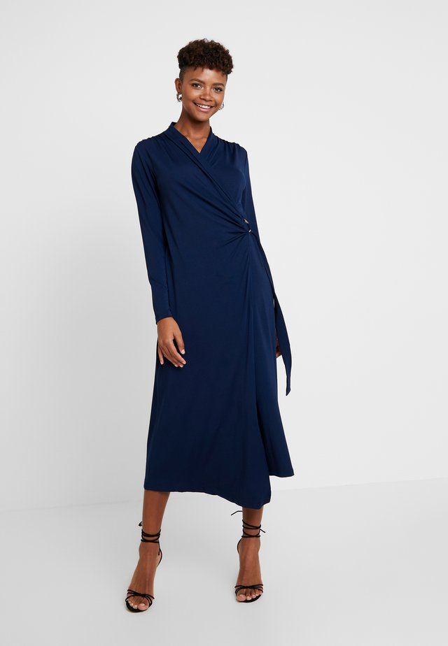 VIVILC WRAP DRESS - Trikoomekko - captain navy